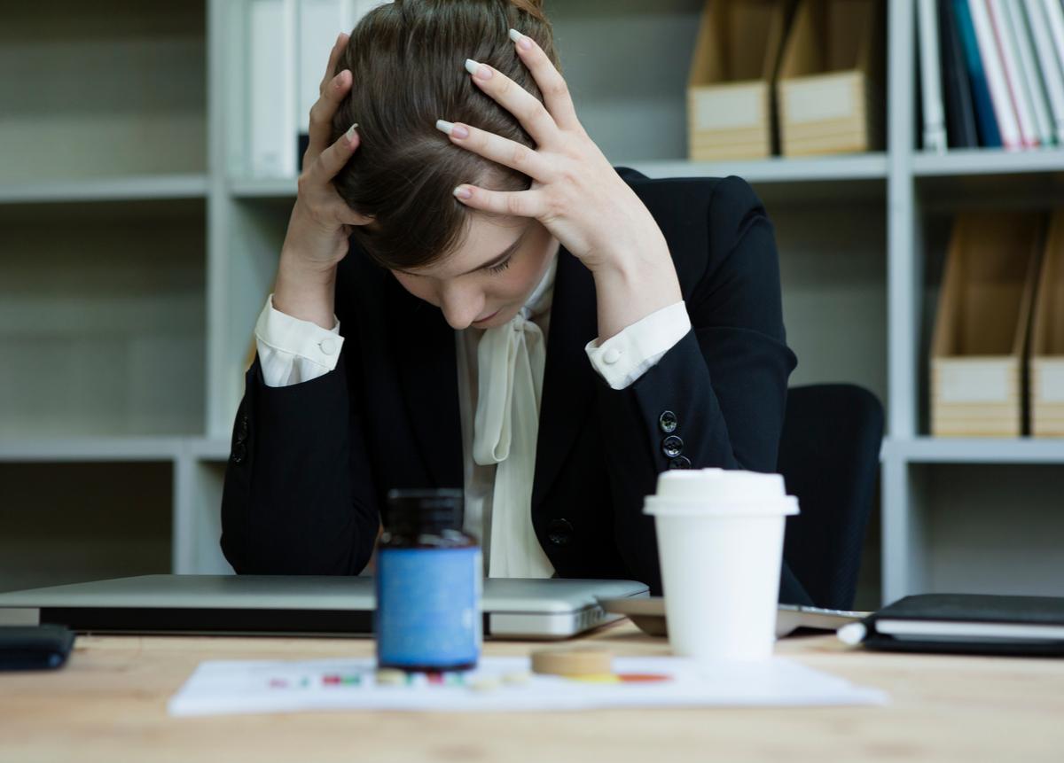 Emplea las medidas necesarias y previene peligros psicológicos en tu equipo