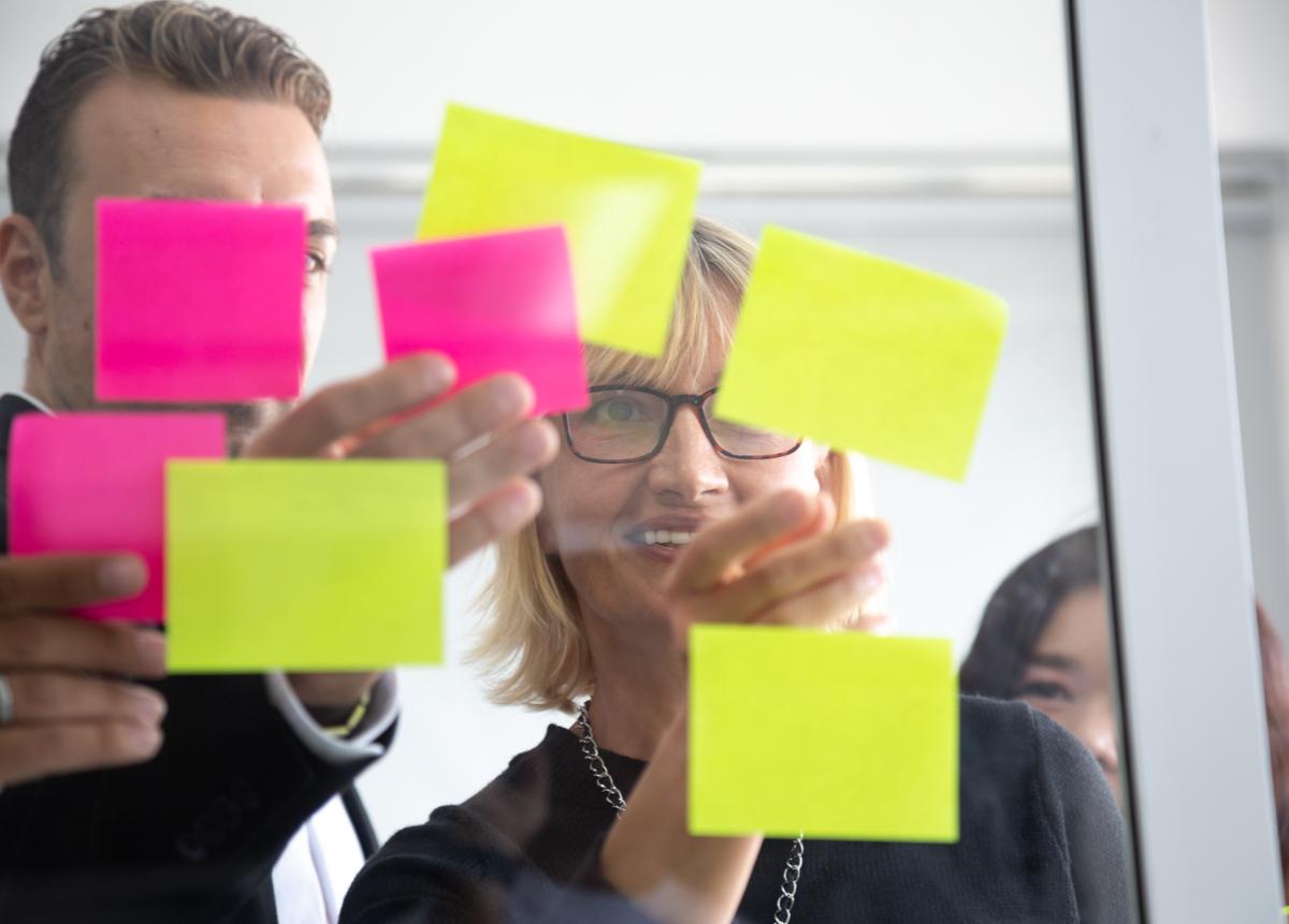 Estudia online y gestiona proyectos ágiles