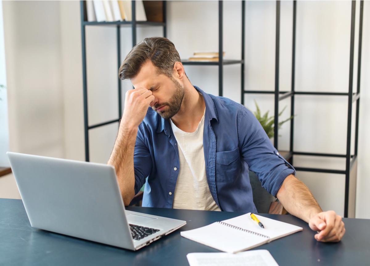 Capacítate y adquiere las herramientas para afrontar el estrés laboral