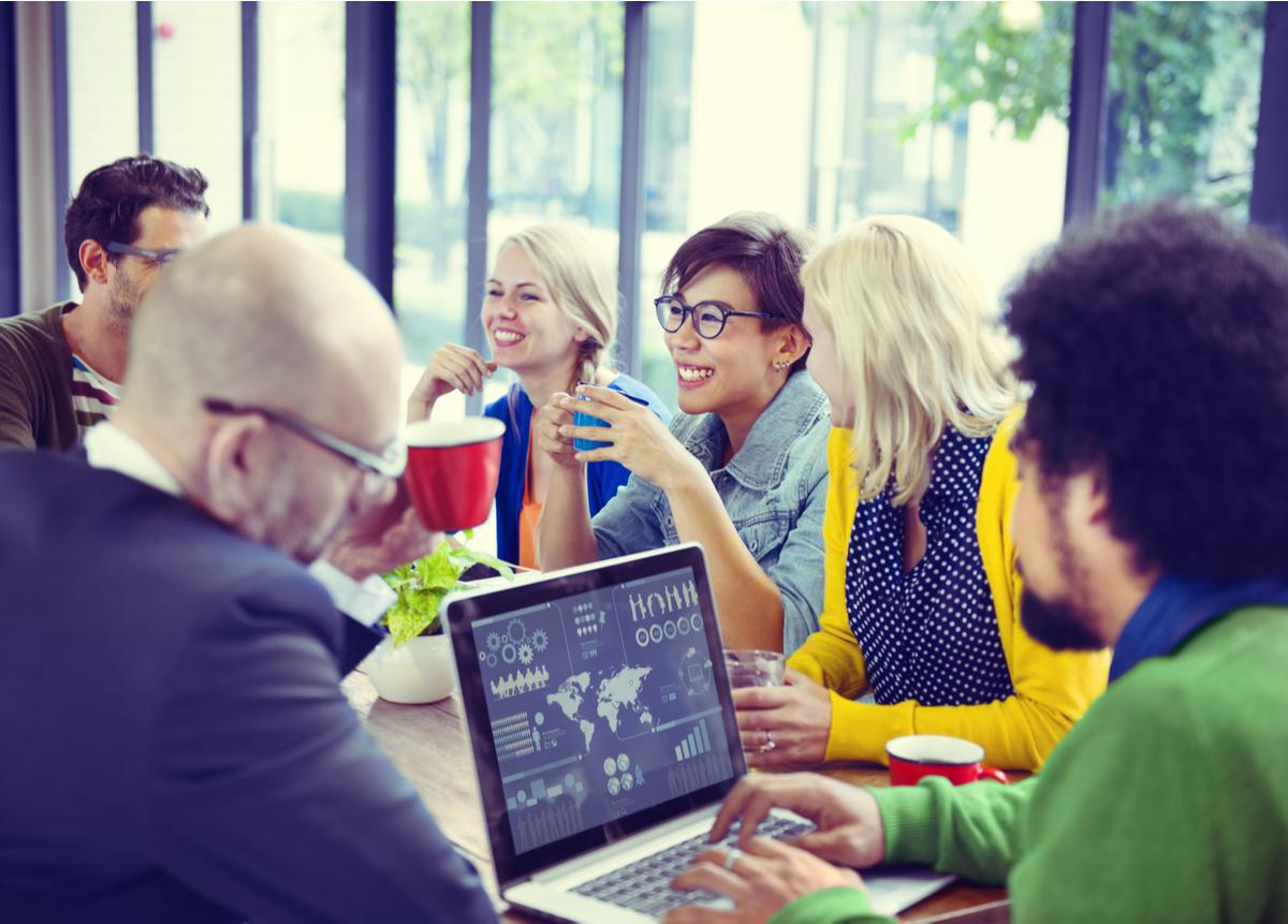Felicidad organizacional: Conoce los 3 pilares que fomentan el bienestar en el trabajo