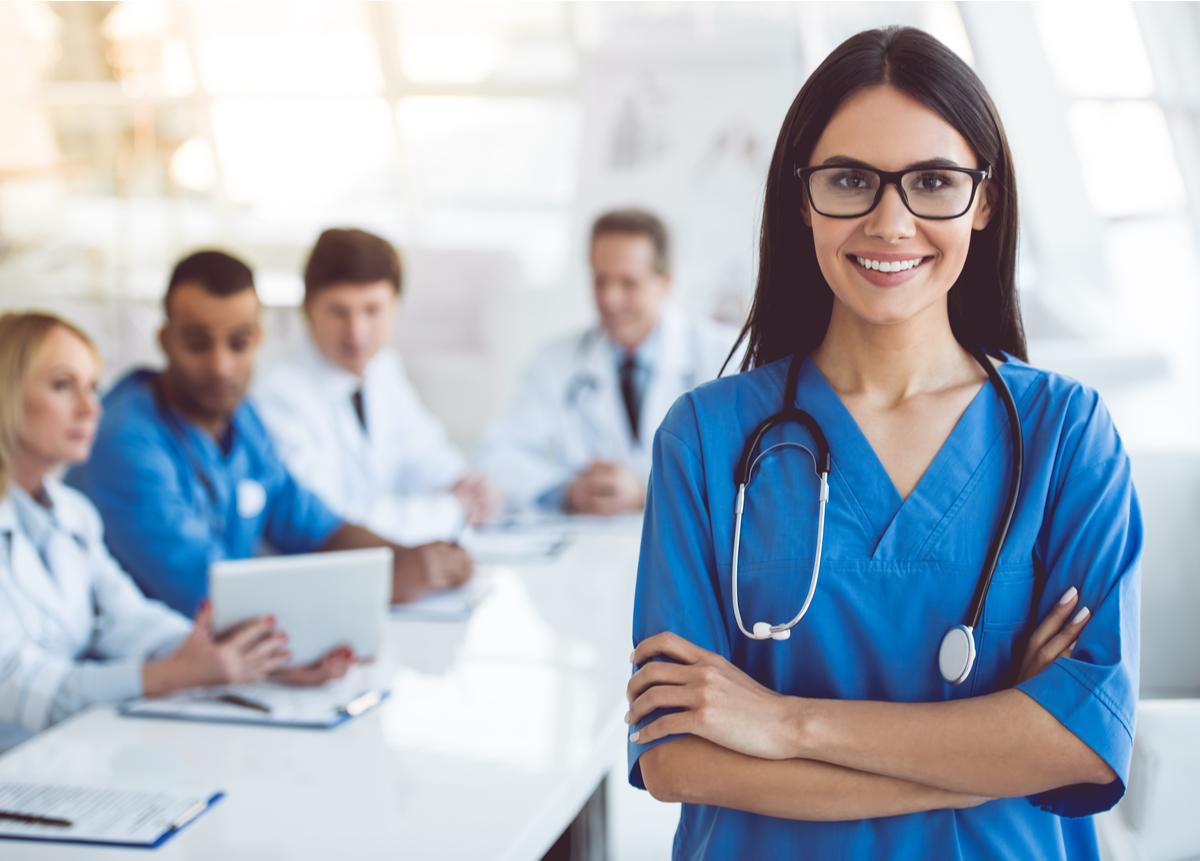 Capacítate y dirige a las personas de manera efectiva en una Institución de Salud