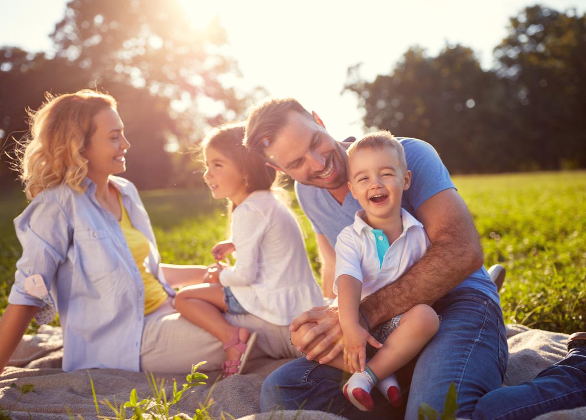 Descubre las funciones de la familia y su importancia en el bienestar de NNA